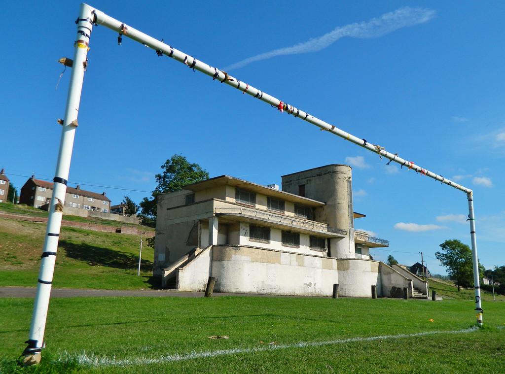 Mountblow Sports Pavilion, Clydebank, Scotland http://brutalistfootball.tumblr.com/page/5