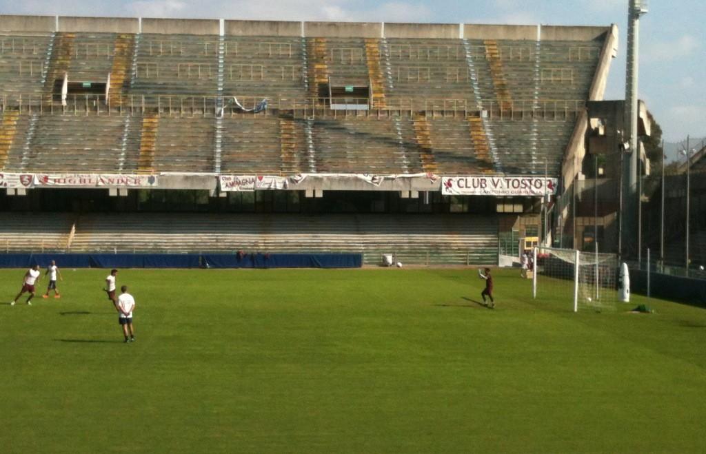 Salernitana 1919 http://brutalistfootball.tumblr.com/page/5