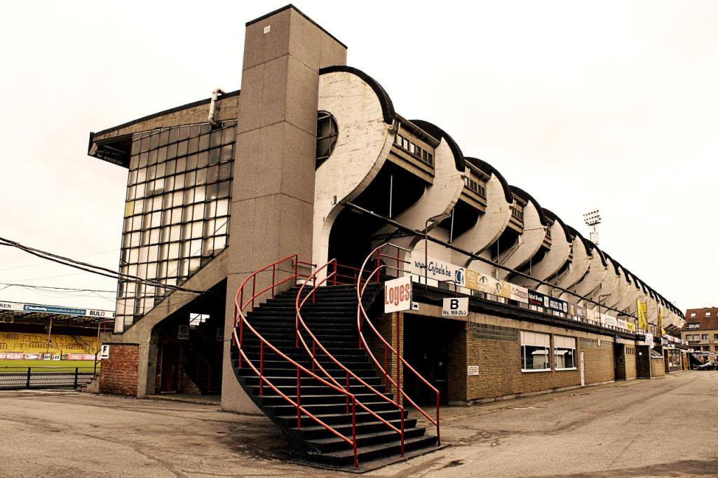 K.V. Mechelen,Belgia http://brutalistfootball.tumblr.com/page/3