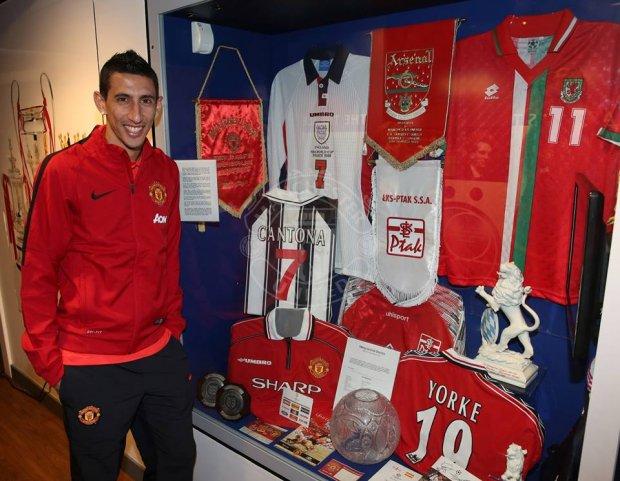 Pamiątki ŁKS w klubowym muzeum Manchester United (Manchester United)